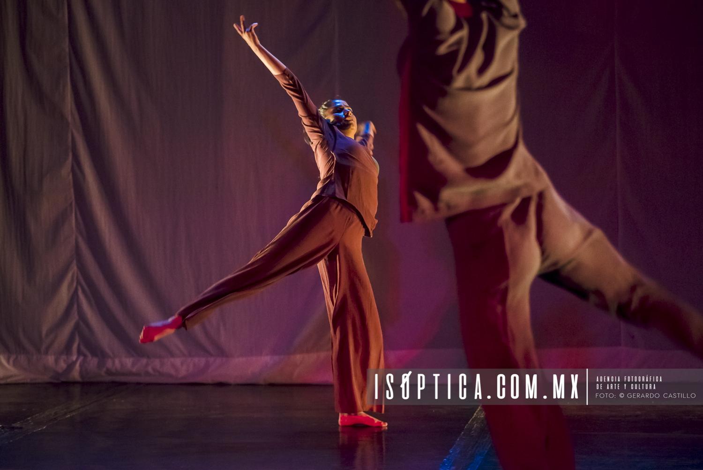 """Presentan """"Solos y Duetos en Red"""" en el Foro de Los Talleres"""