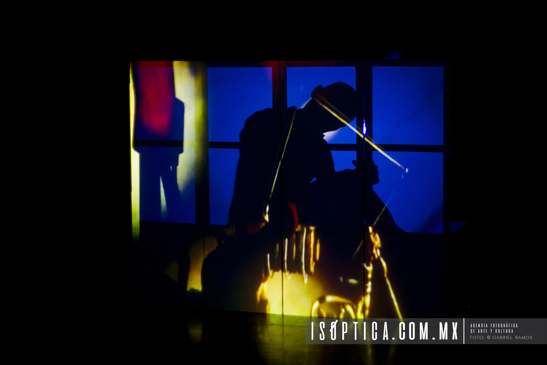 En Tercera Persona_Physical Momentum_Fotografia_Gabriel Ramos_Isoptica