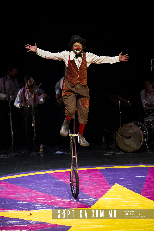 Vagabundo Circo_Estrouberries Clown_Fotgrafia_Gabriel Ramos_Isoptica