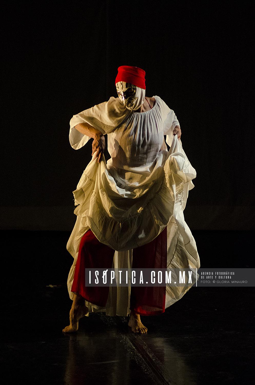 Blanco,loto,rojo..._LosTalleres_soliloquios_FotoGloriaMinauro_9162W