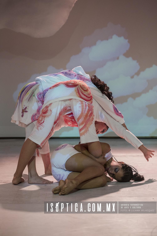 """Se presenta Madinga Mar  con la obra """"Las Nubes"""""""
