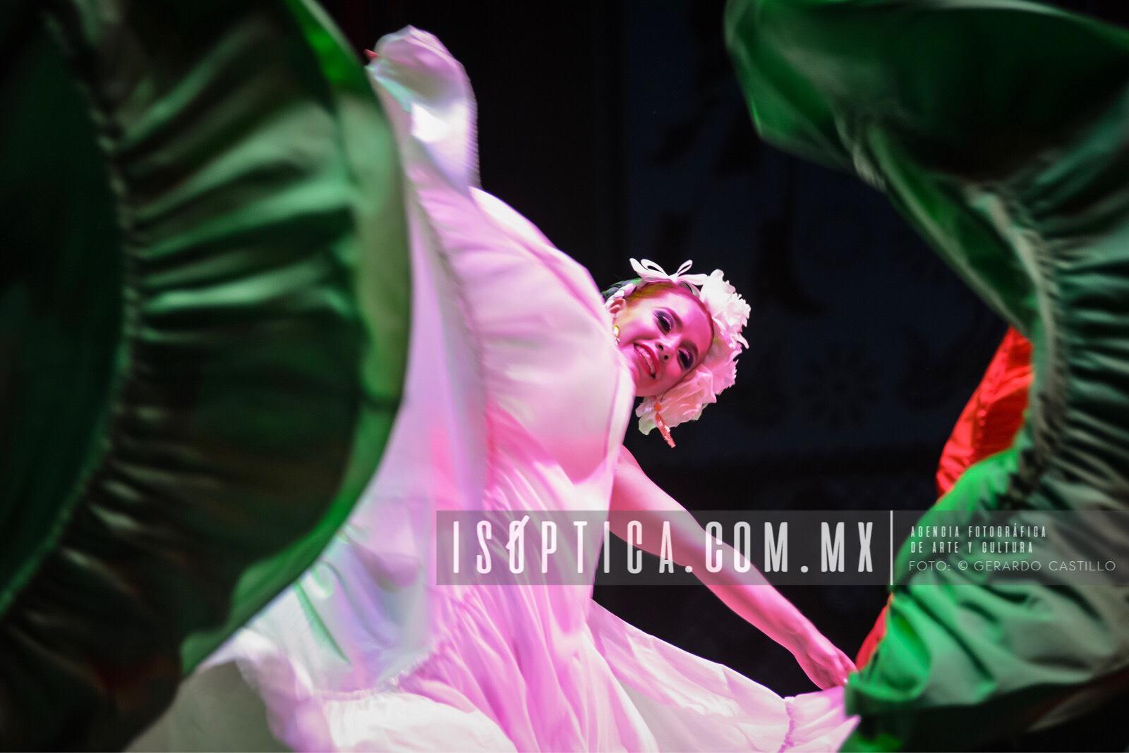 Ballet_FolcloricoEdoMex_Foto-GerardoCastillo-ISOPTICA_IMG_2658