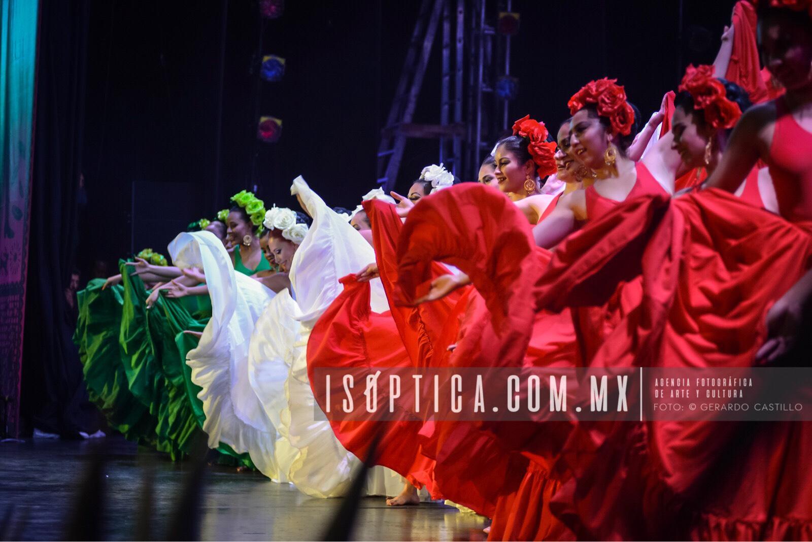 Ballet_FolcloricoEdoMex_Foto-GerardoCastillo-ISOPTICA_IMG_2660